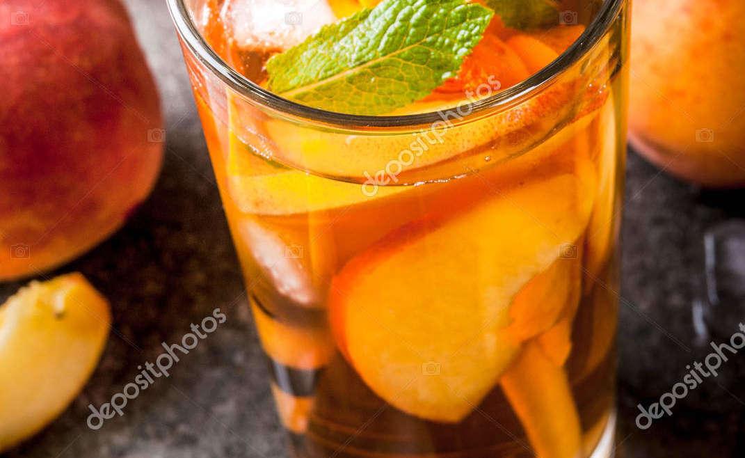 Абрикосовый чай со льдом и лимонадом