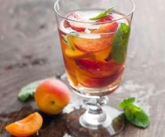 Белый чай со льдом из манго и персика